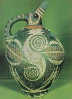 керамический кувшин Фест 19-18вв до н.э.jpg