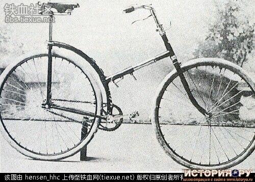 Жерар Морель разработал складной велосипед для французской пехоты.