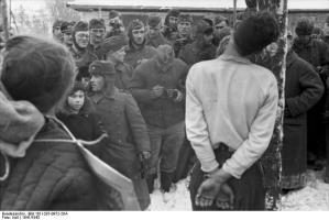 Bundesarchiv_Bild_101I-287-0872-28A,_Russland,_Hinrichtung_von_Partisanen.jpg